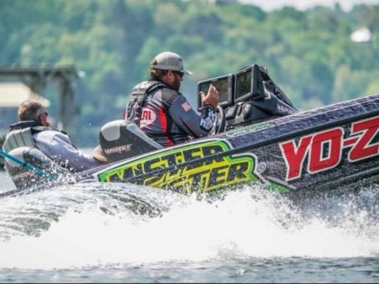 How Lowrance Helped Clent Davis Win the Forrest Wood Cup - He started the final day in 10th place – the final angler to make the cut. He was nearly five-pounds behind the leader before he caught the tournament's biggest bag and won the event by over seven-pounds. Here, he reveals how he used Lowrance's technologies to make history in Arkansas.
