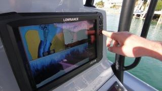 Lowrance Full Screen to Split Screen and Back with One Quick Push of the Button