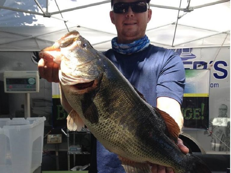 Deets on the Weights, Baits and Anglers of Day 1 at the 2017 Yamamoto Big Bass Challenge - The weather cooperated with the California Delta anglers as the first day of the 2017 Yamamoto Big Bass Challenge kicked off on the tidal water fishery.