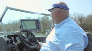 Lowrance How-To: Keeping your boat icon on the Lowrance HDS chart screen