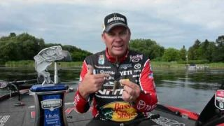 Neko Hook for the KVD Win |  Mustad TitanX Wacky