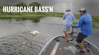 Hurricane Bass Fishing with John Cox | Big Bass Bite before a Storm - SMC 13:05