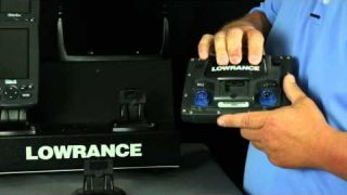 Lowrance How-To: Remove your Lowrance Elite unit from the Quick-Release Bracket