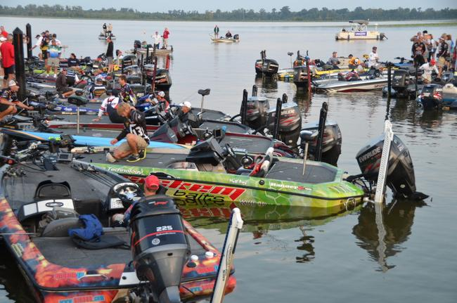 Flw college fishing southern conference heads to red river for Flw college fishing