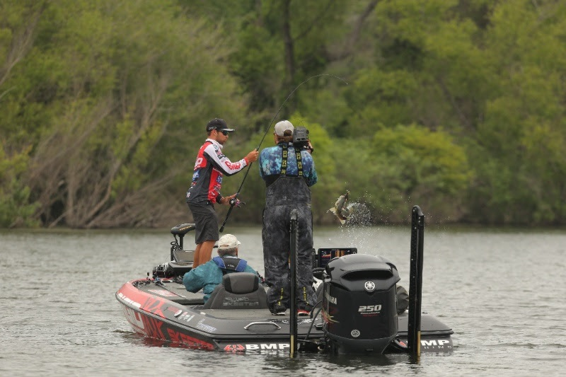 Lake travis will host the 2018 toyota bassmaster texas for Texas parks and wildlife fishing report